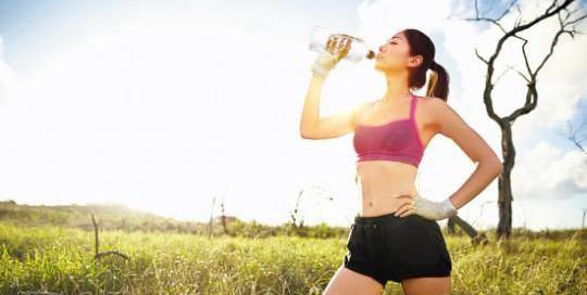 虽然说,跑步是一项一个人的运动,但是在夏天,建议你不要再孤独上路